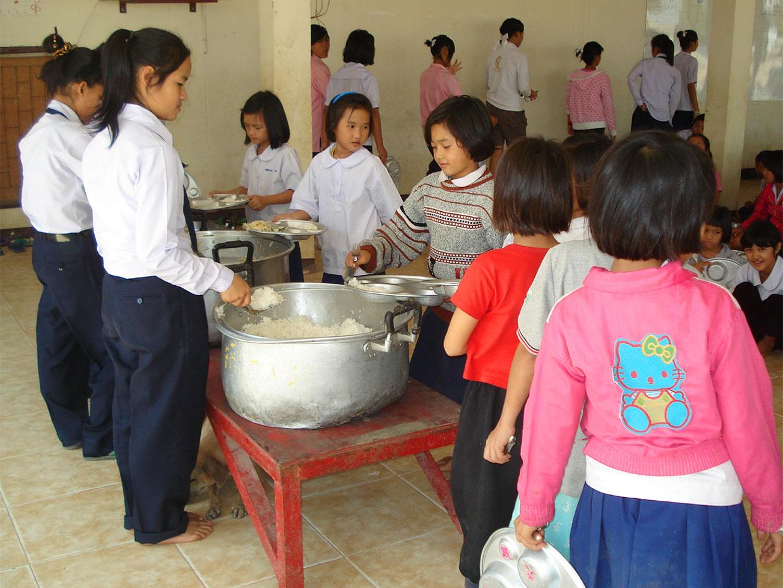 โครงการอาหารกลางวัน01