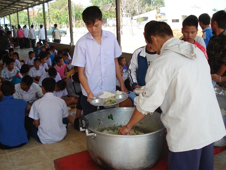 โครงการอาหารกลางวัน02